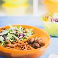 Tupperware MicroTup Menüteller Menüteller mit verschiedenen Speisen