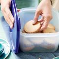 Tupperware Quadratischer Behälter 2,6 l mit Keksen gefüllt