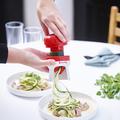 Tupperware Spiralino Zucchini Zoodles mit dem Spiralschneider hergestellt