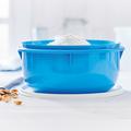 Tupperware Замесочное блюдо (3 л) mit Mehl und Nüssen